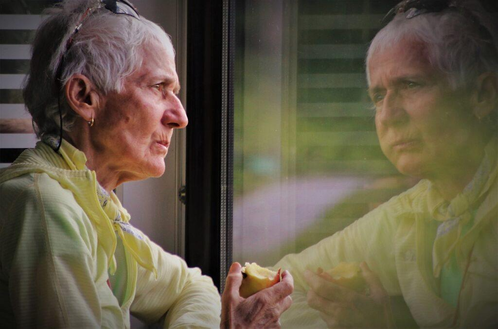 Is It Safe For the Elderly To Live Alone?